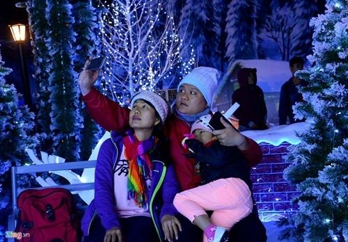 chơi tuyết, noel, Sài Gòn, Vietnamnet