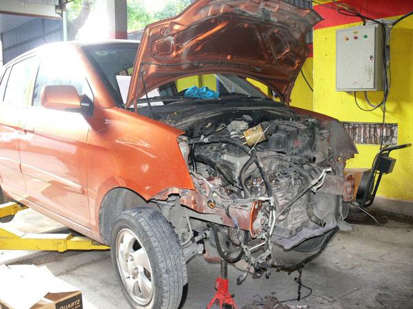 Bí quyết mua ôtô cũ: 'Đọc vị' xe phục chế sau tai nạn