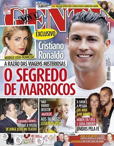 Lộ chân dài 'giải cứu' Ronaldo yêu đồng giới