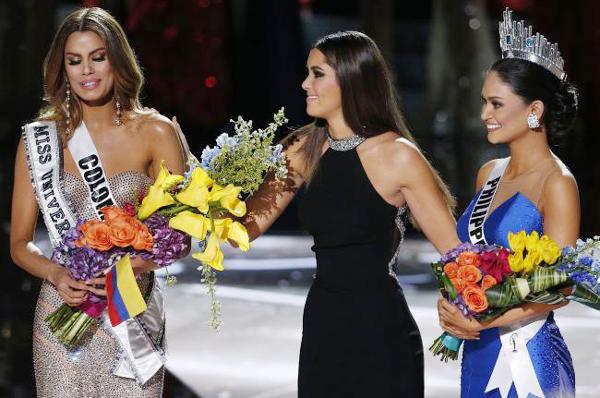 Sự cố 'điếng người' đêm chung kết Hoa hậu Hoàn vũ 2015
