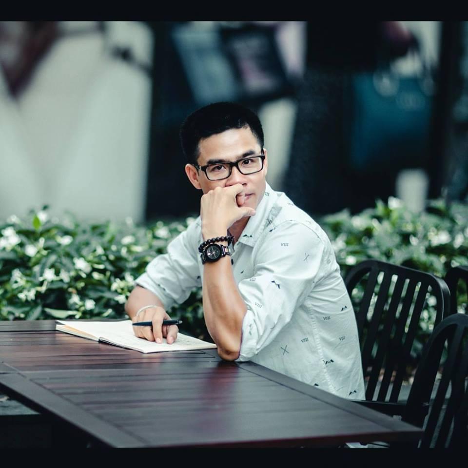 Sống một cuộc đời bình thường, Nguyễn Phong Việt, Đi qua thương nhớ