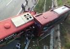Xe khách tông nhau trên cao tốc Nội Bài-Lào Cai, 2 vợ chồng tử vong