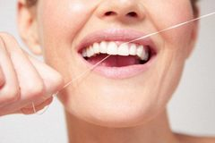 Bệnh nướu răng tăng nguy cơ ung thư vú ở phụ nữ