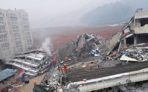 Đống đổ nát khổng lồ sau trận lở đất Thâm Quyến