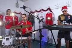 """Tiết lộ """"vũ khí"""" đặc biệt giúp Cech và Arsenal hạ Man City"""