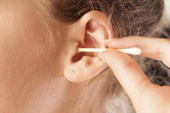 Lấy ráy tai có thể làm thủng màng nhĩ?
