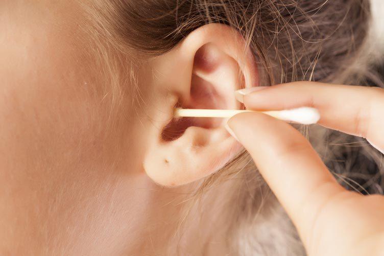 ray tai, thung mang nhi, tai - mui - hong, ráy tai, thủng màng nhĩ, tai - mũi - họng, lấy ráy tai