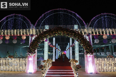 Rạp cưới 'khủng' như cung điện của con đại gia thuỷ sản