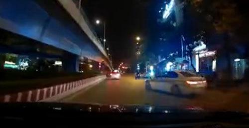 'Xe điên' BMW biển xanh đâm người rồi bỏ chạy trên phố Hà Nội