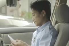 Cảm động người mẹ giả trai lái taxi kiếm tiền nuôi con