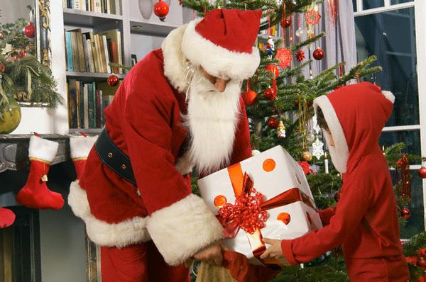 Lá thư đầy nhân văn của ông chủ tạp chí The Sun gửi trẻ em dịp Noel