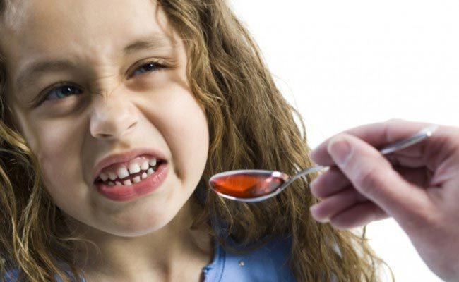 Trẻ uống quá liều siro ho có thể bị ốm nặng, lú lẫn