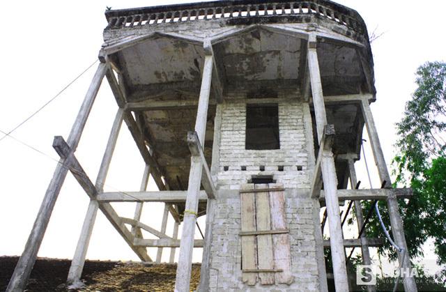 Tòa tháp 9 tầng đáng sợ của lão gàn xứ Nghệ