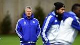 Hiddink bắt sao Chelsea soi gương, kiểm điểm bản thân
