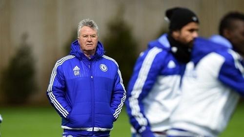 Hiddink, Chelsea, Hiddink thay Mourinho dẫn dắt Chelsea, Premier league