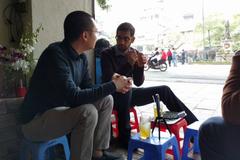 CEO Google khoe ảnh trà chanh vỉa hè với Nguyễn Hà Đông lên Twitter