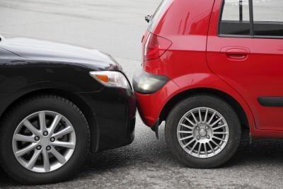 Bị lái xe thuê gây tai nạn, ai sẽ bồi thường cho tôi?