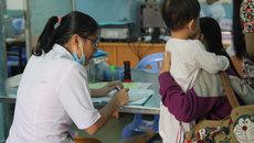 Trời chuyển lạnh, nhiều trẻ nhập viện vì bệnh hô hấp