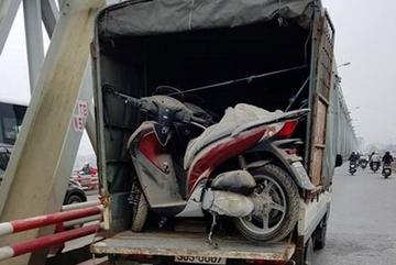 Lạ lùng lô Honda SH 150i mới tinh nằm kho suốt 3 năm ở Hà Nội