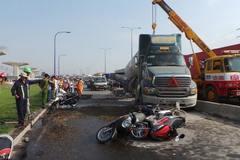 Xe bồn đâm hàng loạt xe máy ở cửa ngõ Sài Gòn
