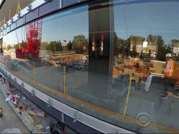 Trụ sở phi thuyền 5 tỉ USD, Apple Campus 2, tấm kính cong lớn nhất thế giới, Jony Ive, CEO Tim Cook