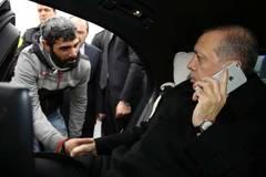 Tổng thống Thổ Nhĩ Kỳ ra tay cứu người