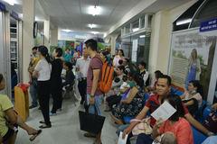 TP HCM cũng xếp hàng chờ vắc xin