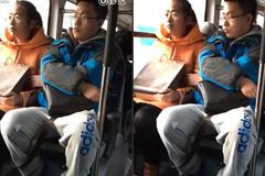 """10 clip nóng: """"Trai đẹp"""" sàm sỡ thiếu nữ trên xe buýt"""