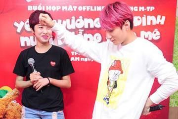 Sơn Tùng M-TP dạy fan nhảy trong buổi offline