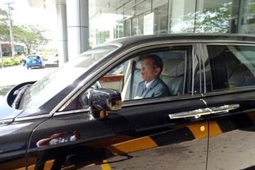 Đại gia Lê Ân lái Rolls Royce 30 tỉ lượn phố Sài Gòn