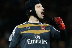 Petr Cech phá bung kỉ lục ở Premier League