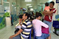 Thảnh thơi đưa con đi tiêm vắc xin dịch vụ
