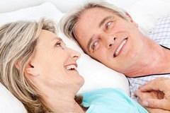Khổ vì già rồi mà chồng còn nhiều ham muốn