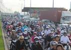 Hàng ngàn xe tải vào cảng, xa lộ Hà Nội kẹt cứng từ 4 giờ sáng