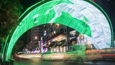 Đường phố Sài Gòn lung linh trước thềm năm mới