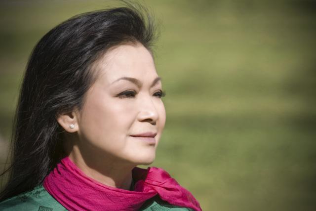 Khánh Ly: Không ai muốn làm bạn lâu dài với những niềm đau