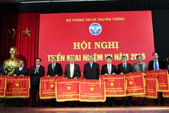 10 tập thể của Bộ TT&TT được tặng cờ thi đua CP