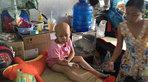 Cha làm hồ mẹ bán nước mía, kiệt quệ vì con ung thư