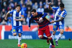 Tam tấu MNS bất lực, Barca đánh mất ngôi đầu