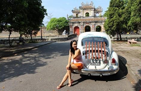 Sài Gòn, Việt Nam, Nghi Khang Mỹ, Lương Khương Ngọc Nhẫn, Volkswagen Beetle, giám đốc doanh nghiệp, đi một mình, chiếc xe, thời gian, xe cổ, người đẹp, du lịch, dọc đường, chị, bọ