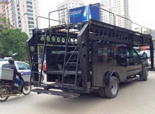 Siêu xe chống khủng bố của công an Hà Nội