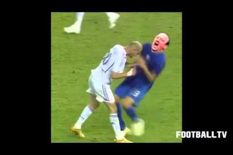 Dân mạng chế clip Zidane húc HLV Benitez lộn nhào