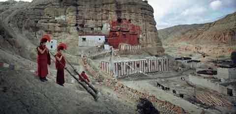 Bộ tộc anh em vẫn lấy chung vợ ở Tây Tạng