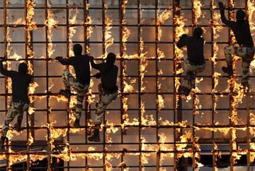 Thế giới năm 2016 đối mặt những rủi ro nào?