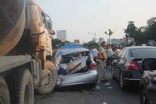 xe biển đỏ, gây tai nạn, liên hoàn, ùn tắc