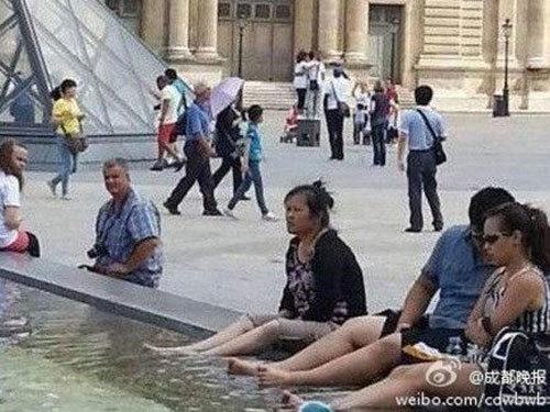 Vì sao du khách Trung Quốc liên tục làm mất thể diện quốc gia?