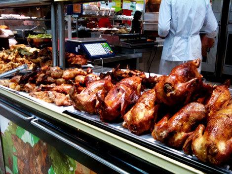 Gà quay trong các siêu thị vì sao có giá siêu rẻ?