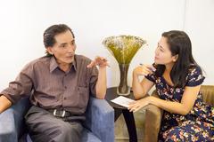Thương Tín tiết lộ cuộc tình sóng gió với ca sĩ Hồng Nhung