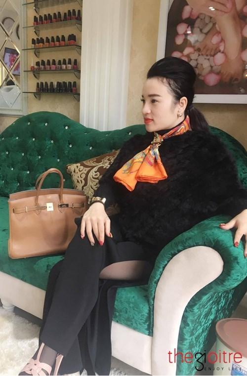 Bộ hàng hiệu 5 tỷ của nữ đại gia 8X Thanh Hóa