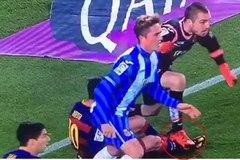 Bị chơi xấu, Messi suýt tẩn thủ môn Espanyol